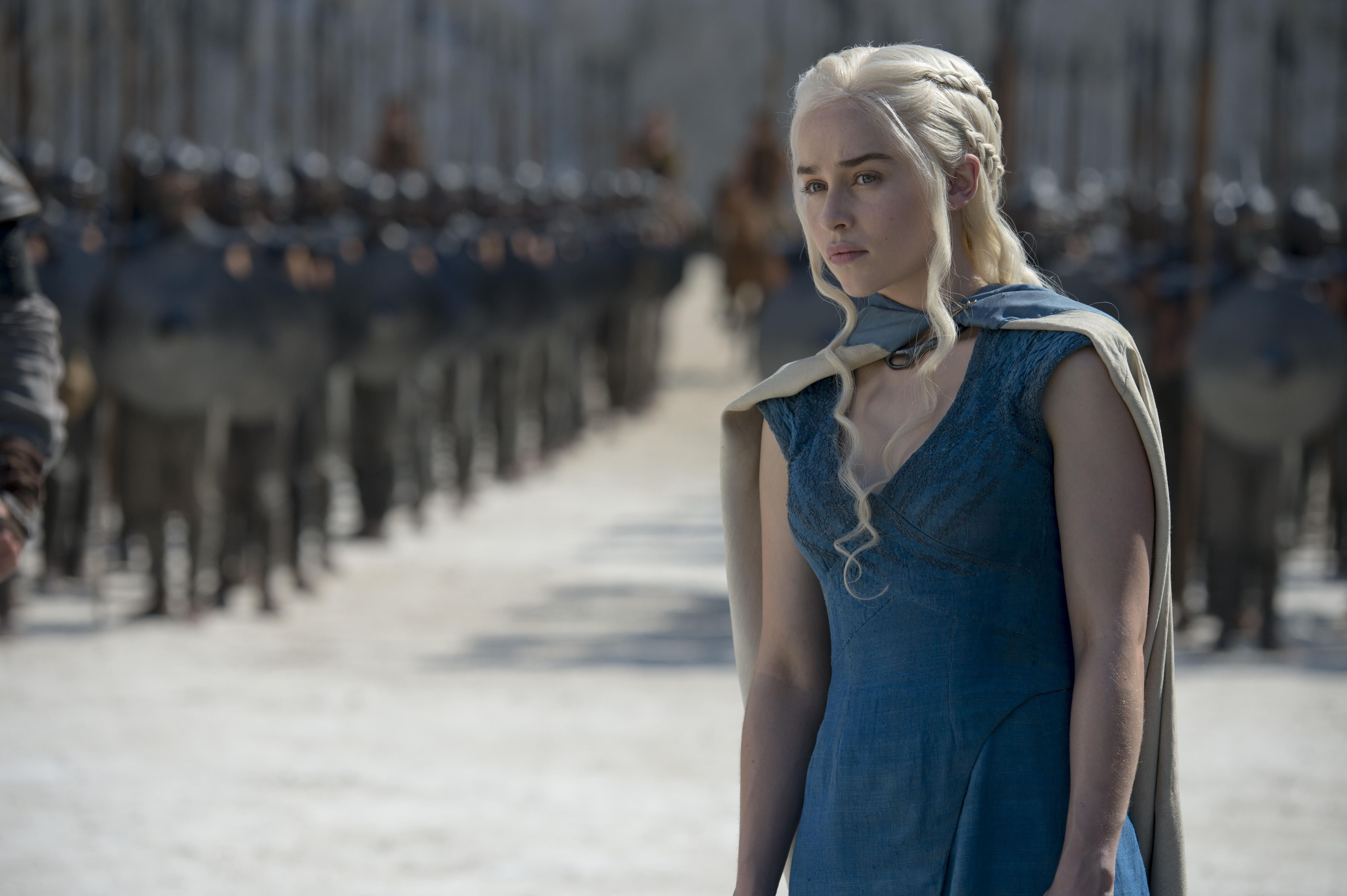 http://vignette4.wikia.nocookie.net/gossipgirl/images/2/23/Daenerys-Targaryen-Season-4-daenerys-targaryen-36978110-4928-3280.jpg/revision/latest?cb=20140501005802