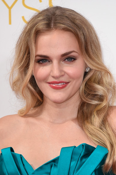 Madeline Brewer Grimm Wiki Fandom Powered By Wikia