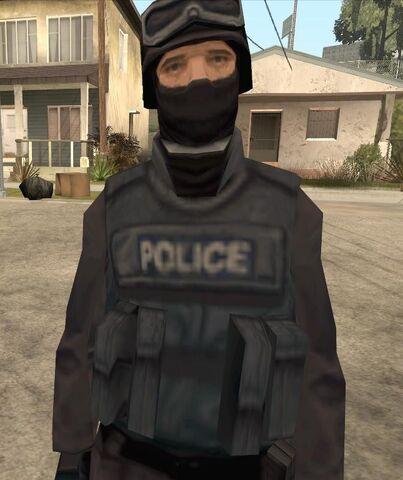 File:SWAT cop.jpg