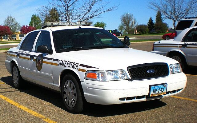 File:800px-NDHP Crown Victoria.jpg