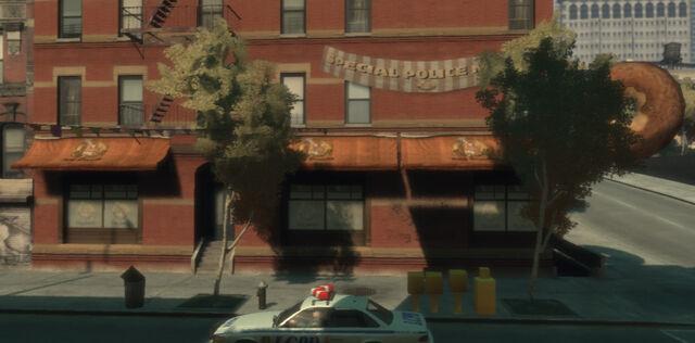 File:RustyBrown'sRingDonuts-GTA4-exterior.jpg