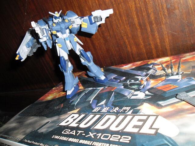 File:Blu duel double pisto.JPG