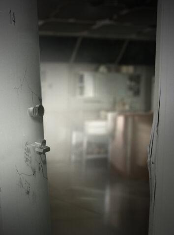 File:H5G HTT-EP6 BrokenDoor.jpg