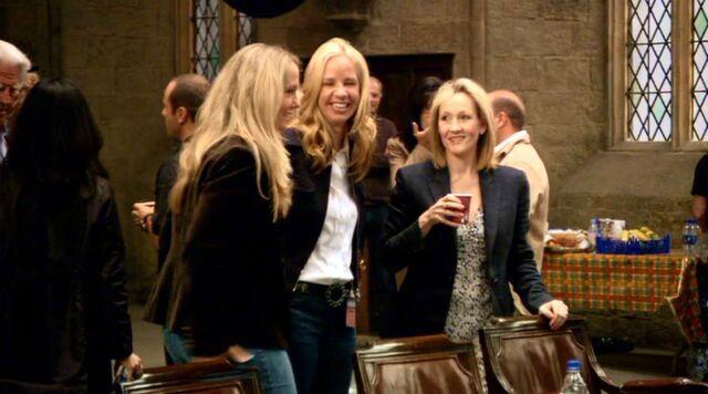 File:JK Rowling on the set of Harry Potter films 02.JPG