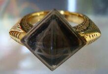 Marvolo Gaunt's Ring.jpg