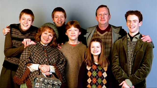 File:Weasley family studio 01.jpg