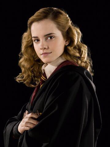 File:Hermione Granger (HBP promo) 4.jpg