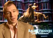 Ralph Fiennes (Voldemort) HP5 screenshot
