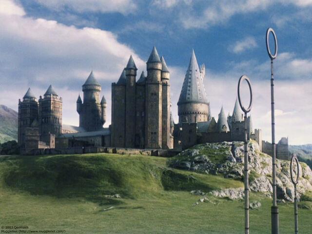 File:Hogwarts 2.jpg