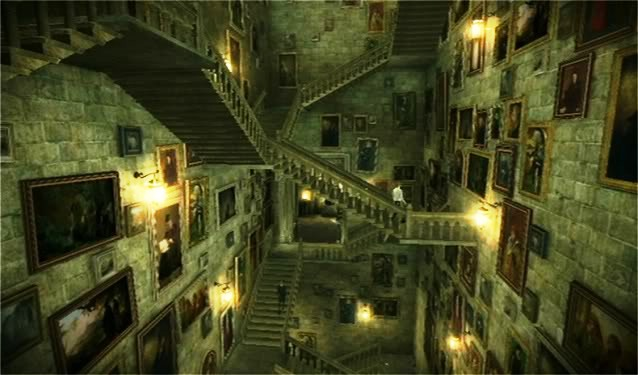 File:Hogwarts Grand Staircase and Portraits in 1996.JPG