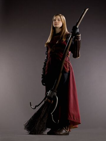File:Ginny Weasley (HBP promo) 3.jpg
