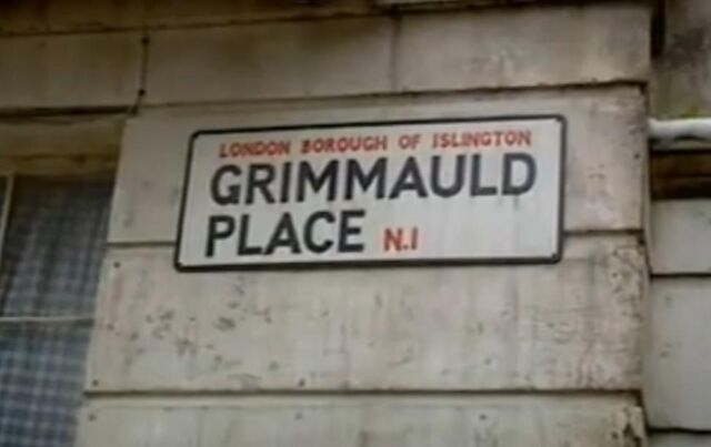File:Grimmauld Place street sign.jpg