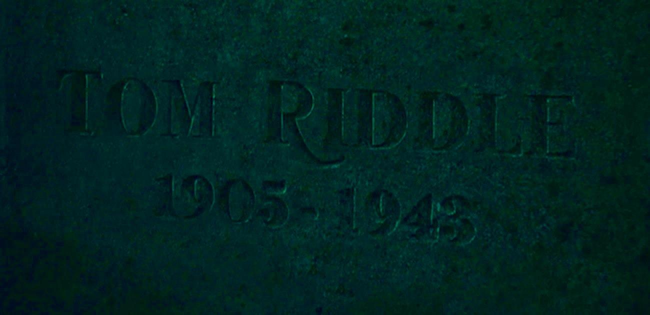 Bestand:Tom Riddle Sr. grave.jpg