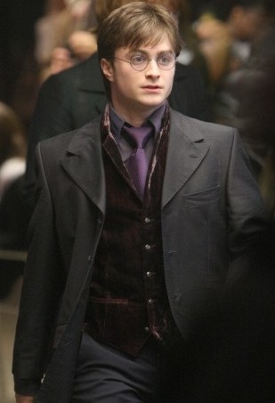 File:Harry Potter DH photo.jpg