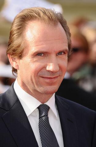 File:Ralph Fiennes.jpg