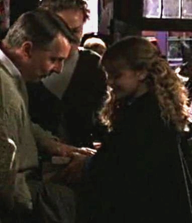 File:Mister Granger Hermione COS 1.jpg