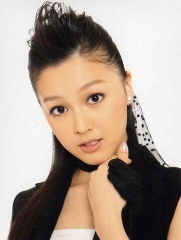 File:Kusumi Koharu 02.jpg
