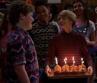 HD 1x01 birthday muffins