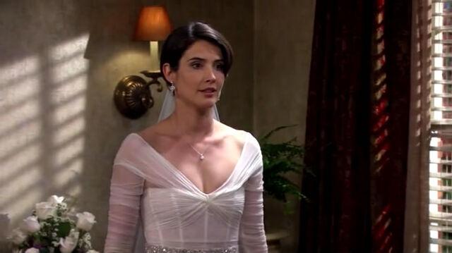File:Robin bride..jpg