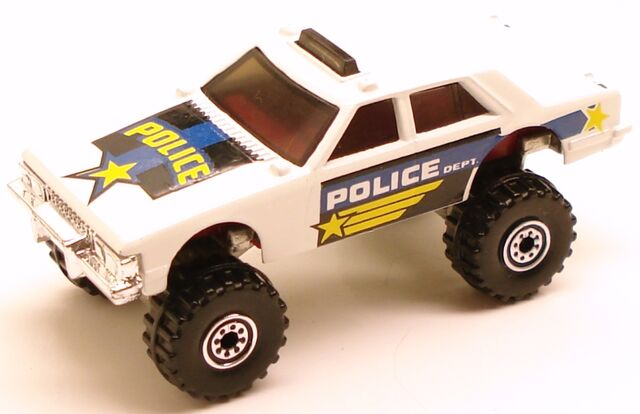 File:Bodyswappers police 4x4.JPG