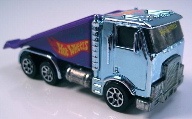 File:Ramp truck racing metals blue tint cab version.JPG