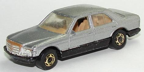 File:Mercedes 380 GryGHO.JPG