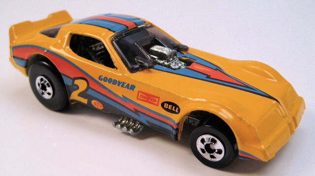 File:Firebird funnycar yellow bw mal base black tampo.JPG