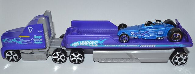File:Racing Rigs Drag Car Hauler -w- Tire Fryer 2010 001a.jpg
