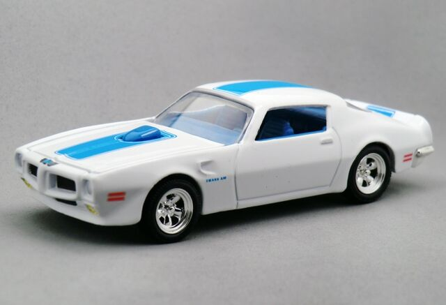 File:2000 30th Anniversary '70s Muscle Cars.jpg