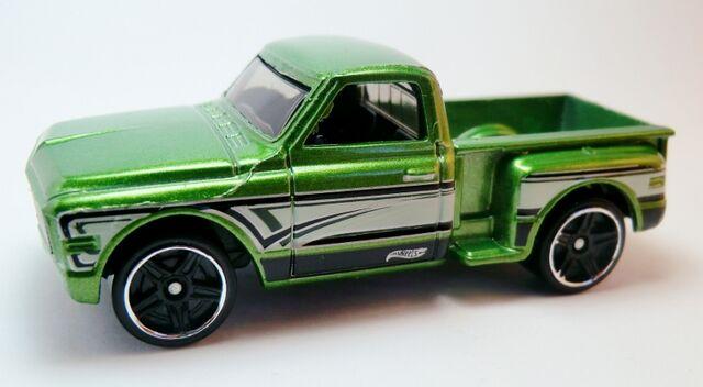 File:Custom '69 Chevy-2013 161 HW Showroom.jpg