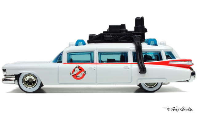 File:Ecto-1 side profile.png