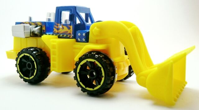 File:Wheel Loader-2013 44 HW City.jpg