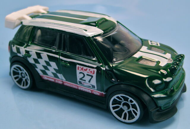 File:12 mini Countryman Rally 2013 HW Stunt.JPG