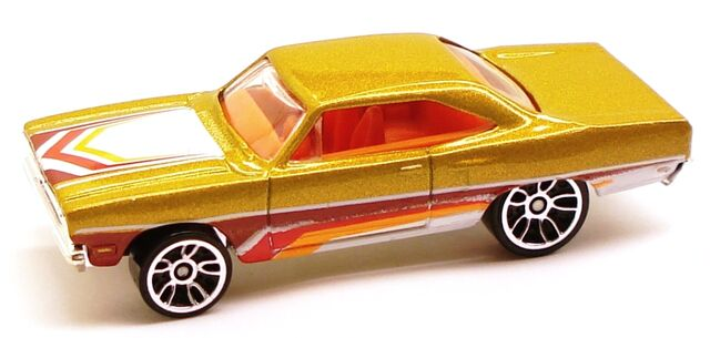 File:RoadRunner night gold.JPG