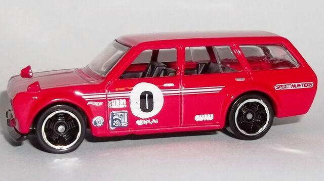 File:HW-2014-206-'71 Datsun Bluebird 510 Wagon-Garage.jpg