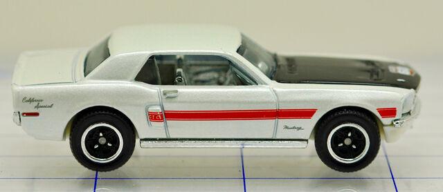 File:68-ford-mustang-gt-white-hw (2).jpg
