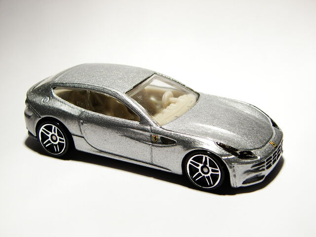 File:Ferrari FF 02.JPG