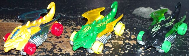 File:Gold, Green, and Black Dragon Blaster.JPG