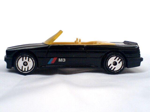 File:1989 BMW 323 Side Left.jpg