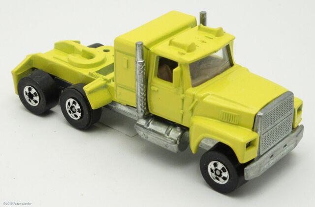 File:Ford LTL Moving Van-24690 4.jpg
