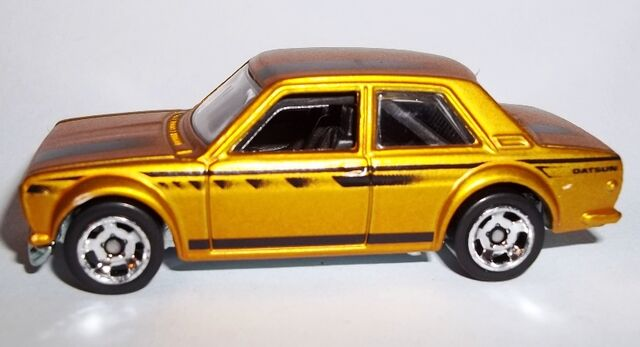 File:HW-2014-Cool Classics--27-Datsun Bluebird 510.jpg