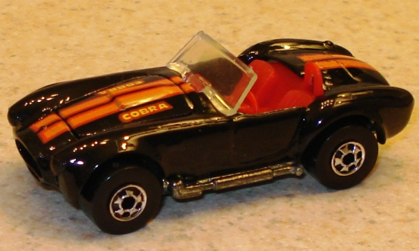 File:Cobra blackbw.JPG