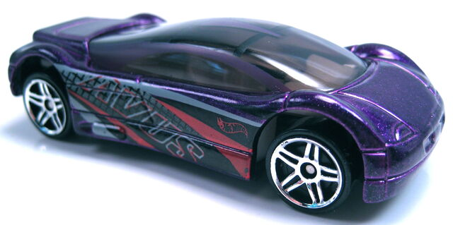 File:Avus quattro purple metallic audi 2001 mainline.JPG