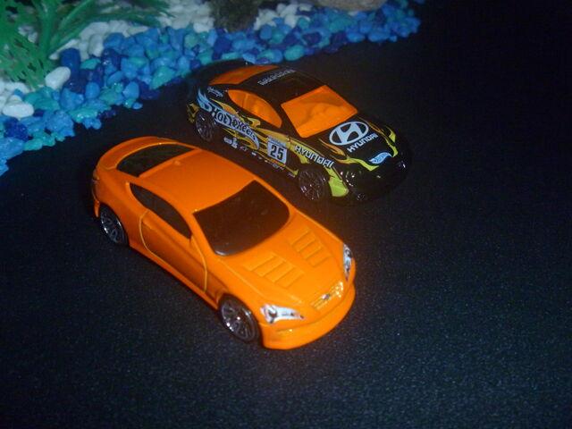 File:Hyundai Genesis and Hyundai Tiburon.JPG