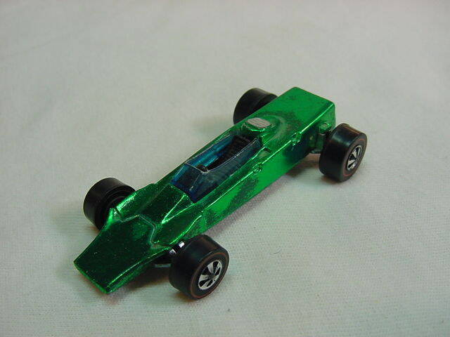 File:1969 Lotus Turbine blk int. Green Flyin Colors.jpg