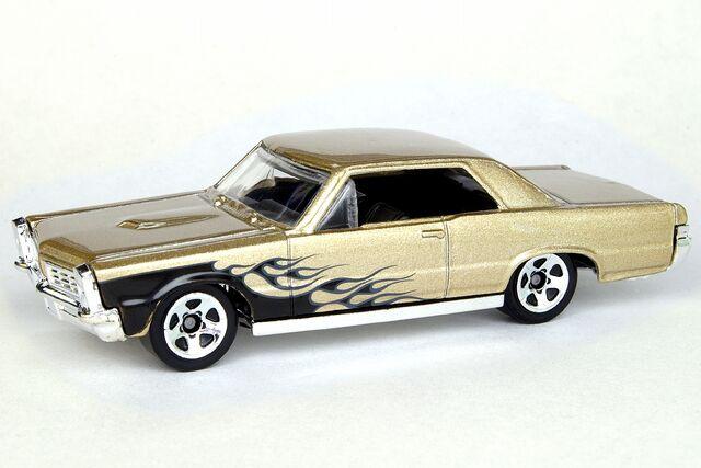 File:Kmart '65 Pontiac GTO - 7022df.jpg