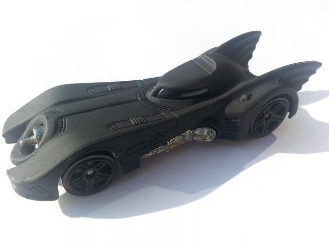 File:Batmobile (1989) side.jpg