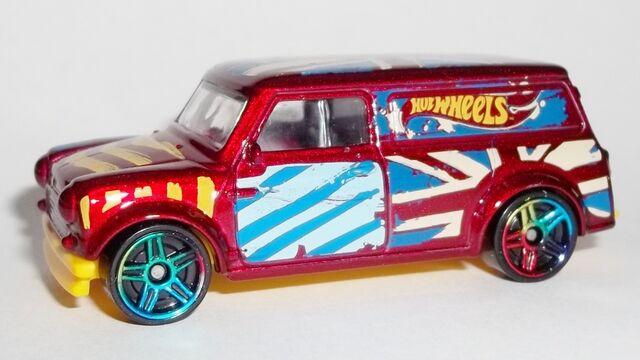File:HW-2015-27-'67 Austin Mini Van-ArtCars.jpg