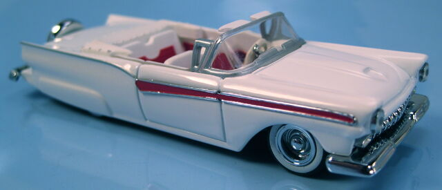 File:57 ford fairlane signature 57s legends set 1997.JPG