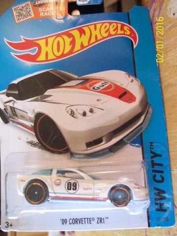 File:'09 Corvette ZR1 Gulf white.JPG